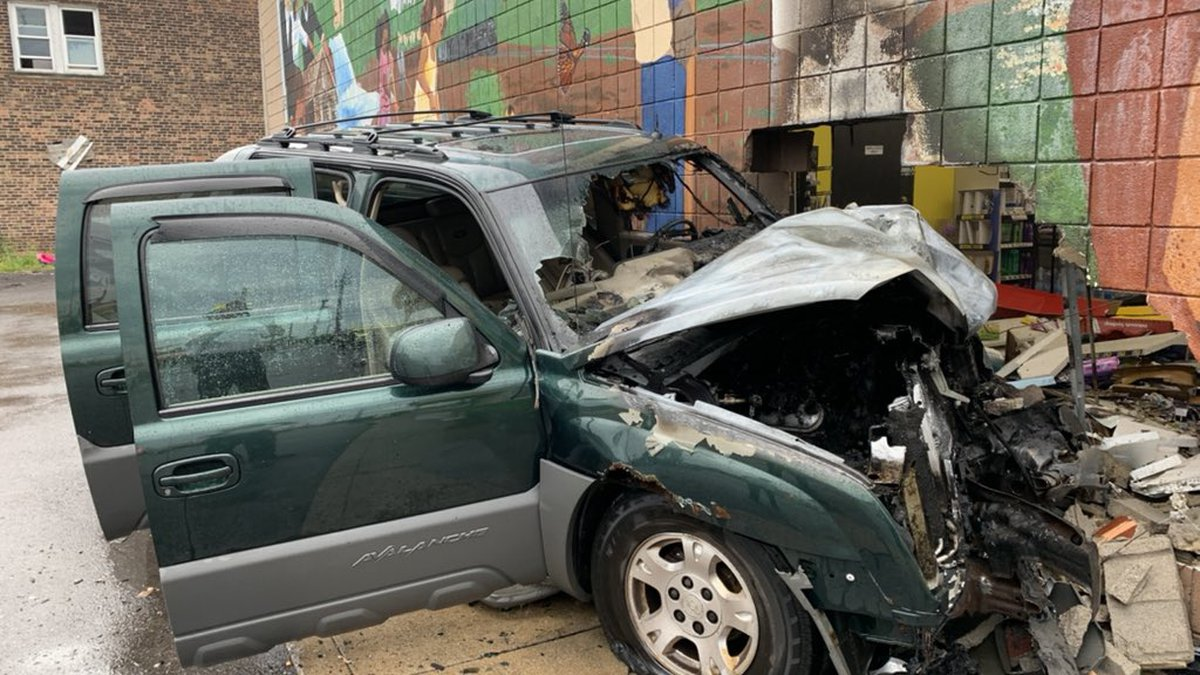Driver flees after driving truck into grocery store in Cleveland, fire department says