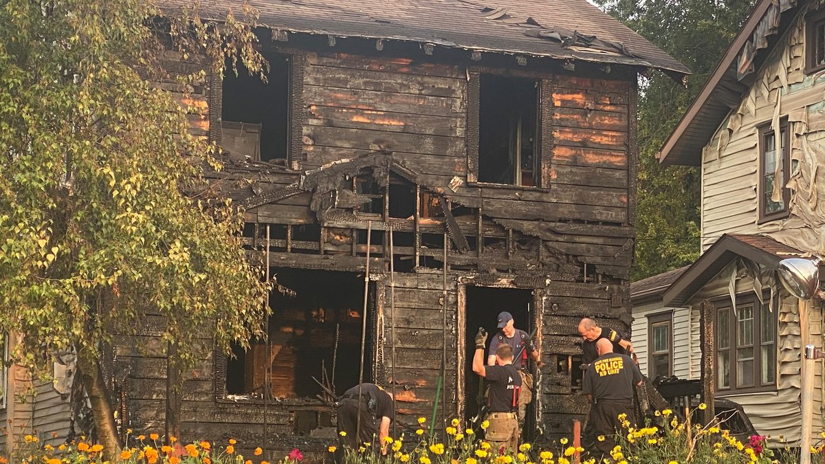 5 people, including 3 children, killed in Akron house fire