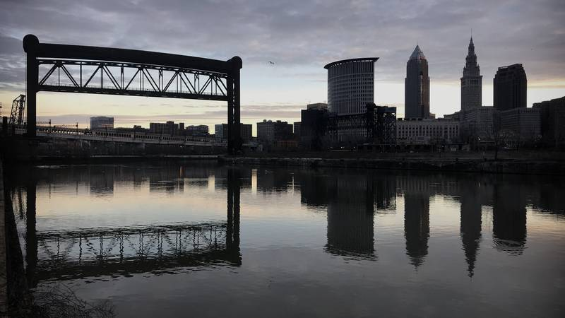Cleveland skyline, Cuyahoga River