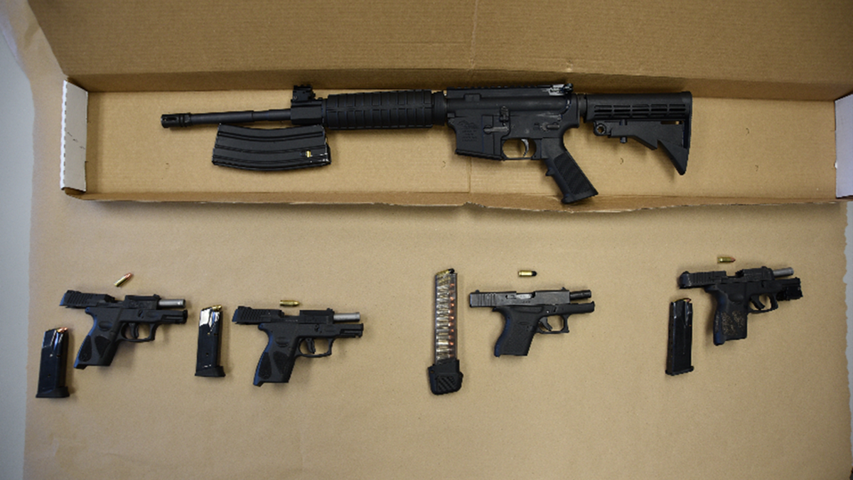 Four teenagers arrested after Akron police find guns in stolen car
