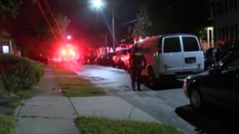 17-year-old boy shoots self in leg, Cleveland police say