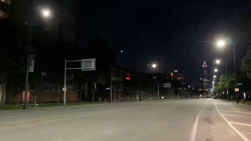 A row of streetlights in Cleveland malfunctioned Wednesday morning, causing a strobe light...