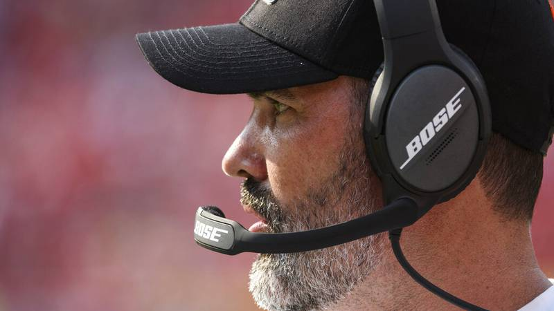 Cleveland Browns head coach Kevin Stefanski during the first half of an NFL football game...