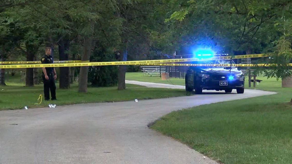 Driver plows through Cleveland Heights park as people shoot at car to stop it