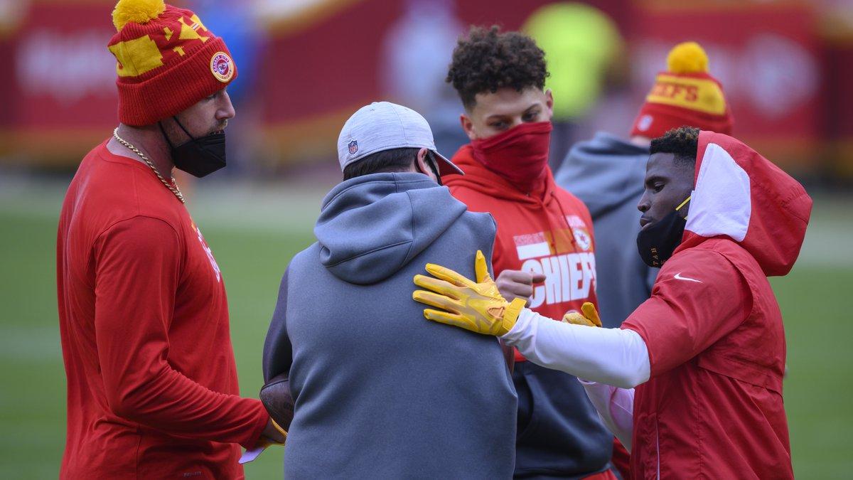 Kansas City Chiefs tight end Travis Kelce, left, quarterback Patrick Mahomes, center, and wide...