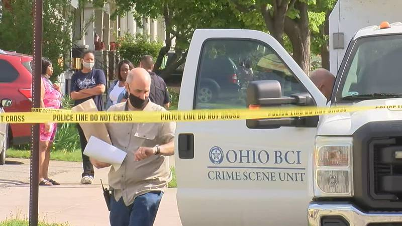 Investigators on the scene of a May 2021 homicide in Lakewood, Ohio