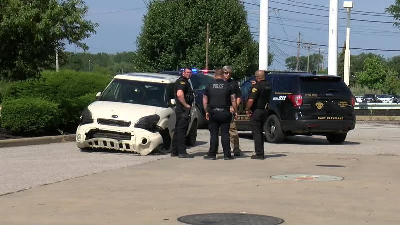 Stolen vehicle pursuit ends in Wickliffe