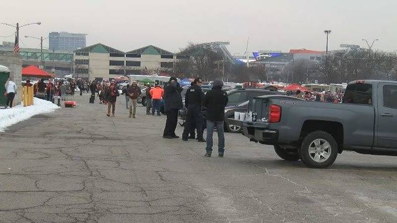 Browns Fans at the Muni lot