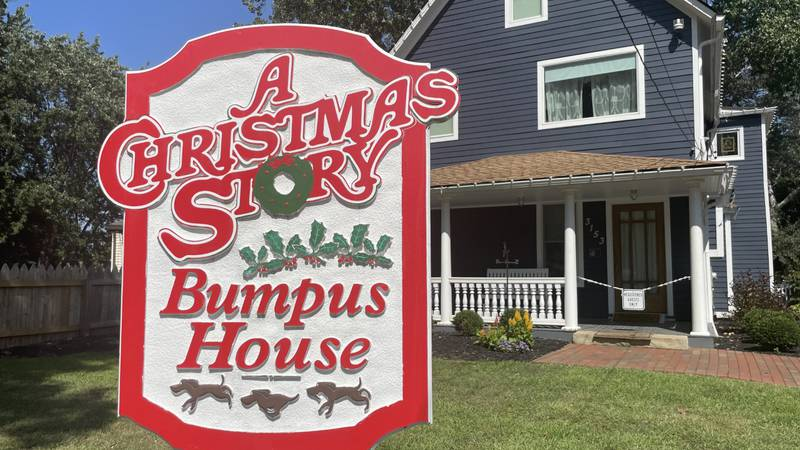 A woman recounted the scary night she experienced while staying overnight at Christmas Story's...