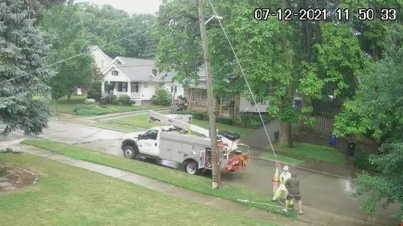 Cleveland residents ask Illuminating Company to fix sideways utility pole