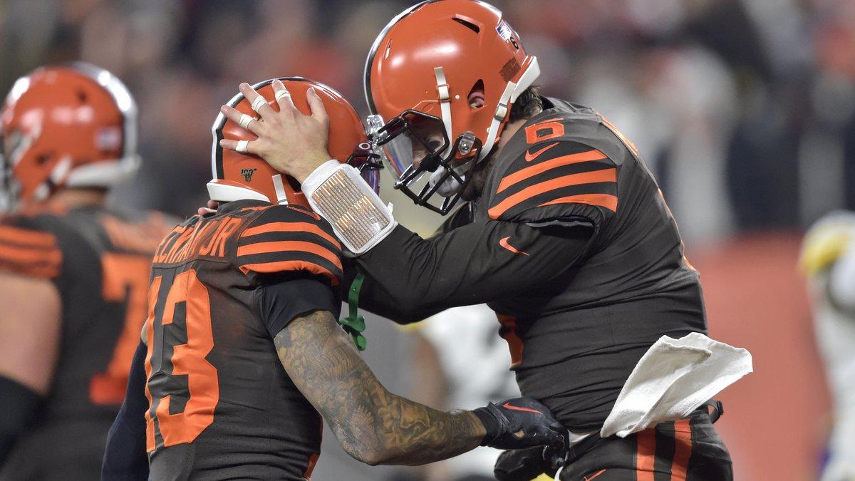 Cleveland Browns quarterback Baker Mayfield (6) celebrates with wide receiver Odell Beckham Jr....