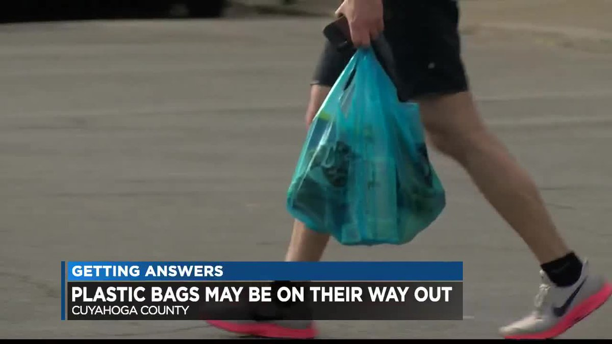 Plastic bags may be on their way out in Cuyahoga County