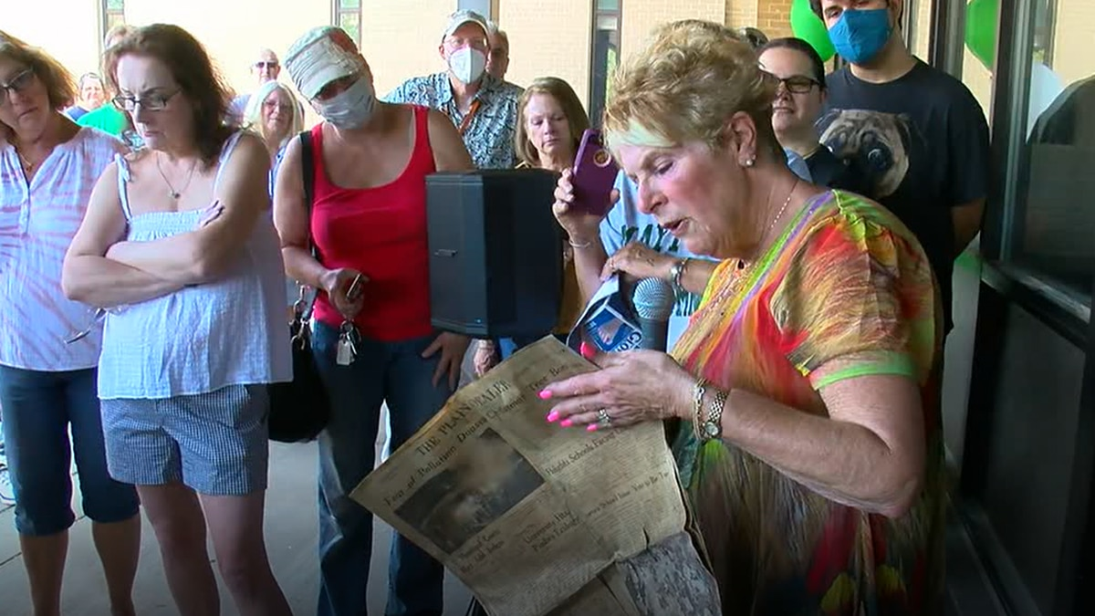 Mayfield High School opens time capsule after 50 years underground