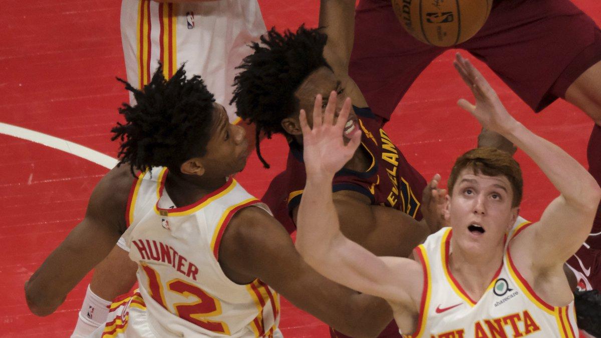 Atlanta Hawks guard Kevin Huerter (3) keeps his eye on a loose ball during the second half of...