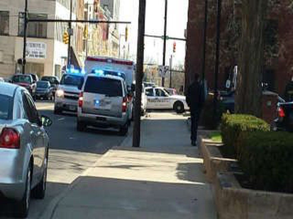 Hostage situation at Trumbull County jail in Warren, OH. (Source: WKBN)