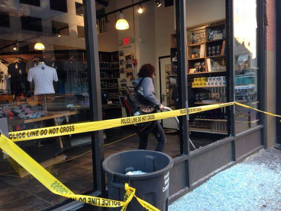 Windows shattered at Cleveland Clothing Co. (Source: WOIO)