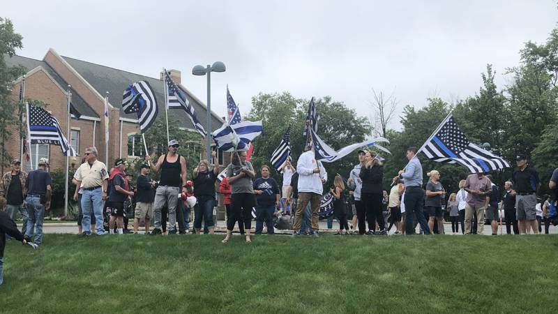 Community rallies outside Solon City Hall following 'Thin Blue Line' flag controversy