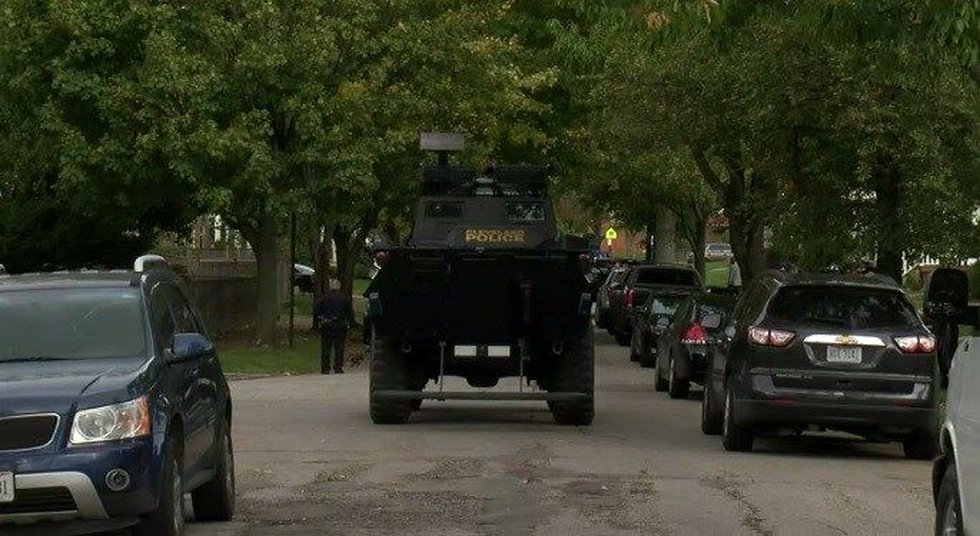 SWAT on west side of Cleveland. (Source: WOIO)