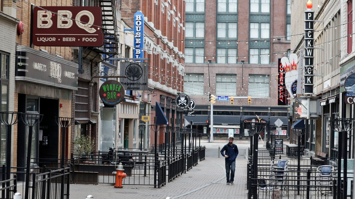 The Gateway District is usually buzzing with people at restaurants and clubs but due to the...