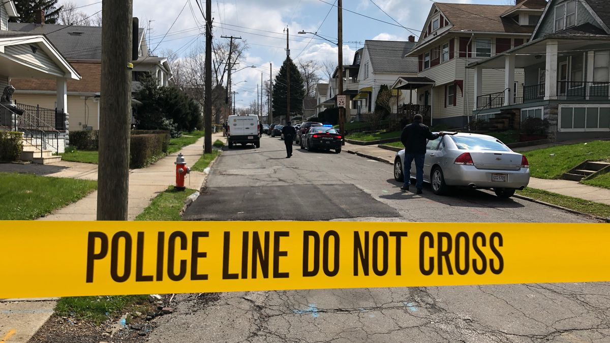 Homicide Investigation: Man dead, woman injured after being shot in car on Cleveland's East Side