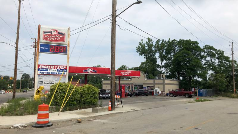 At least 2 injured in shooting near gas station on Cleveland's East Side