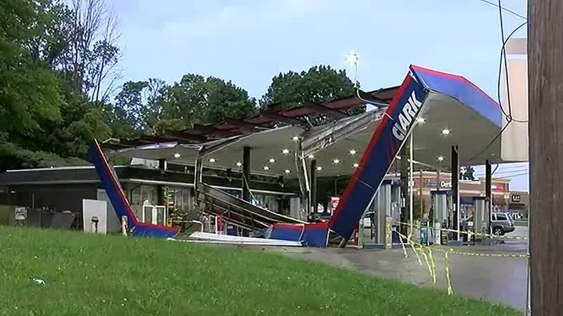 Heavy rains partially collapse Ashtabula gas station roof