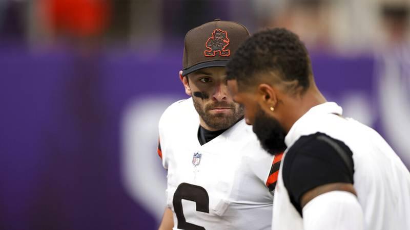 Cleveland Browns quarterback Baker Mayfield (6) talks to wide receiver Odell Beckham Jr. (13)...