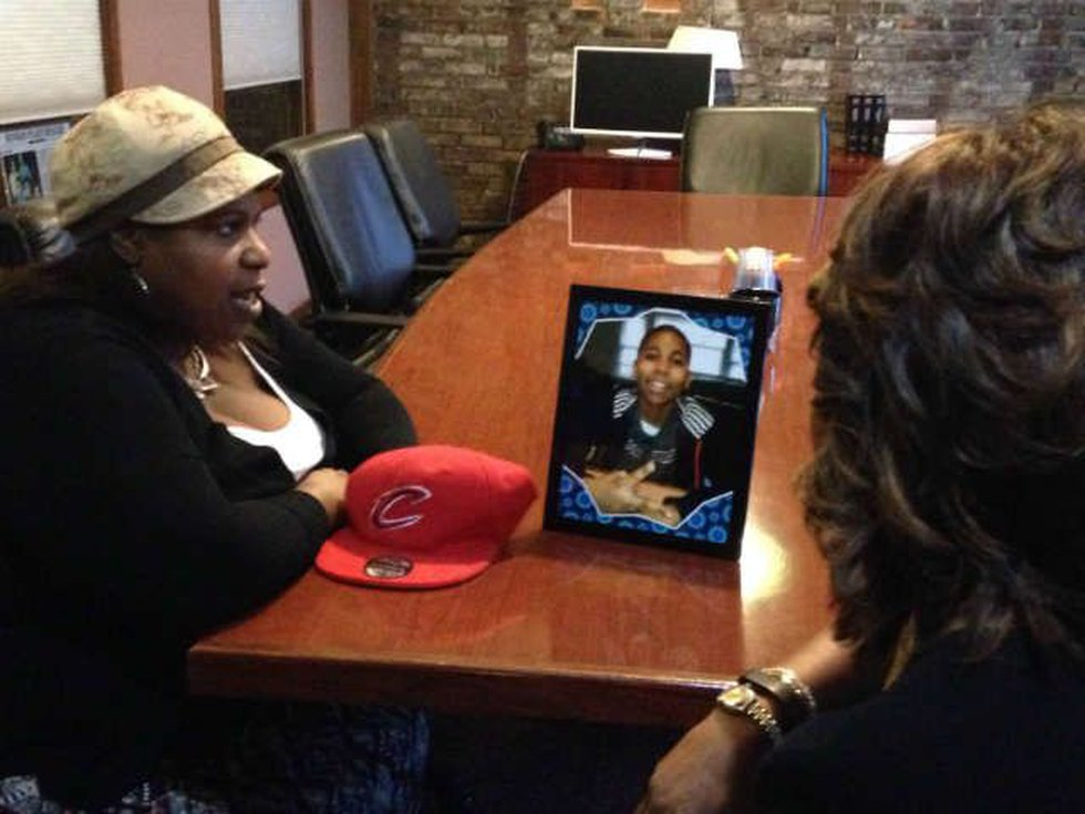 Samaria Rice shares her son's passions with anchor, Romona Robinson. (Source: WOIO)