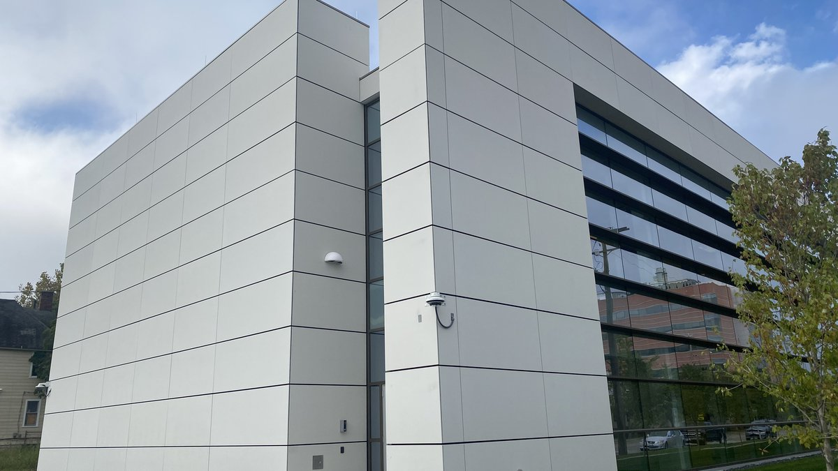 The new facility with 400 freezers trying to heat up the biomedical industry in Cleveland
