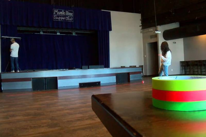 Tropical Cleveland preps for neon dance