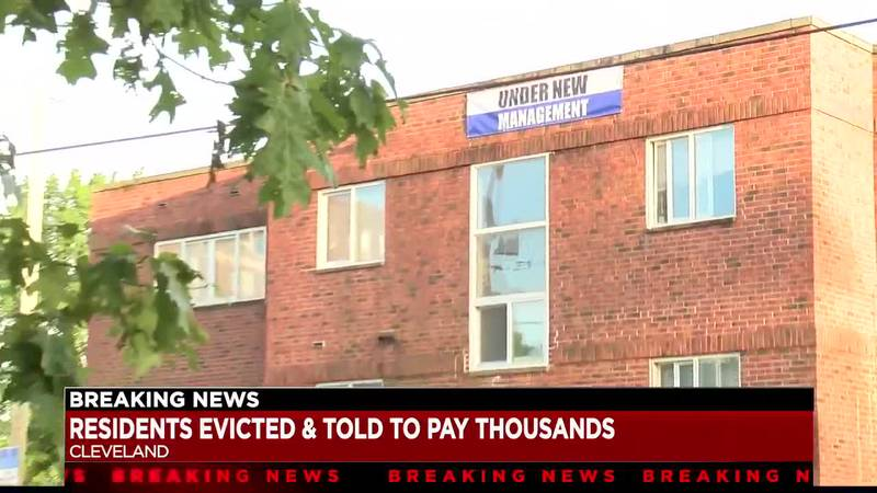 Multiple Cleveland families evicted from building apartment - tenants call move controversia