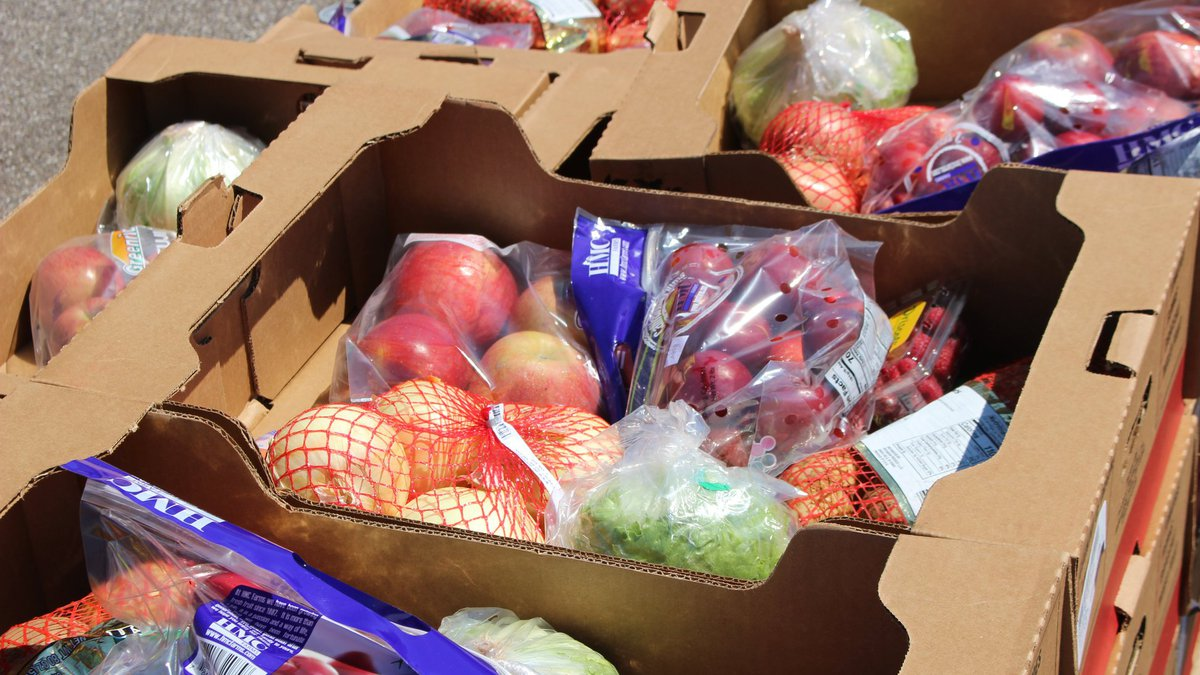 Greater Cleveland Food Bank teams up with Cavaliers for drive-thru food distribution at Rocket...
