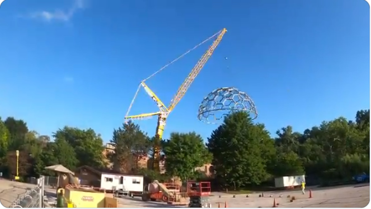 New roof at Cleveland Metroparks Zoo exhibit