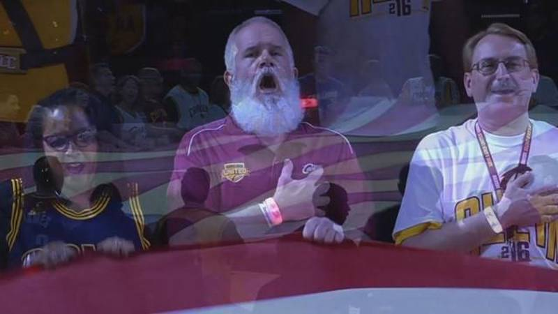20,000 Cavs fans sing National Anthem to kick off playoffs