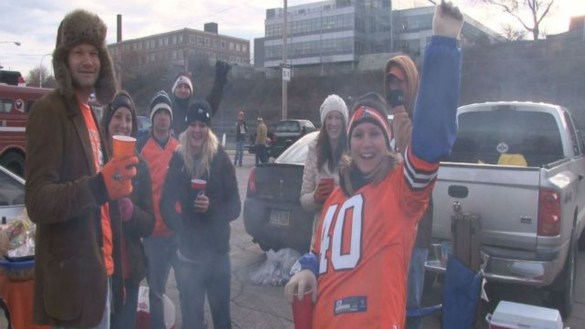 Cleveland Browns fans tailgate in the Muni Lot (File photo.)